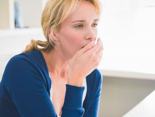 Husten und Auswurf: Wann sollte man zum Arzt gehen?