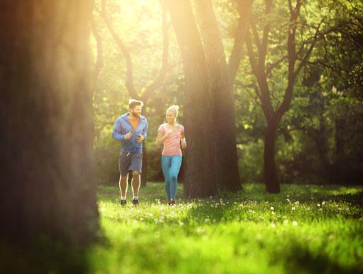 Sehr wichtig ist die körperliche Aktivität an der frischen Luft